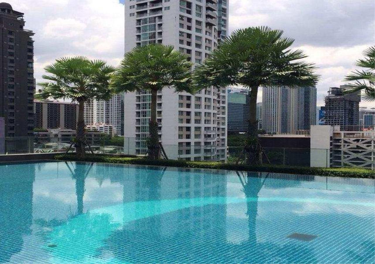 Bangkok Residential Agency's 2 Bed Condo For Rent in Langsuan BR6834CD 10