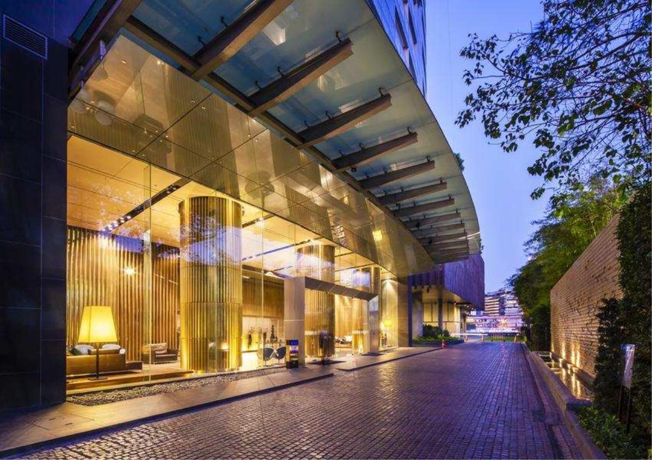 Bangkok Residential Agency's 3 Bed Condo For Rent Near Riverside BR6856CD 12