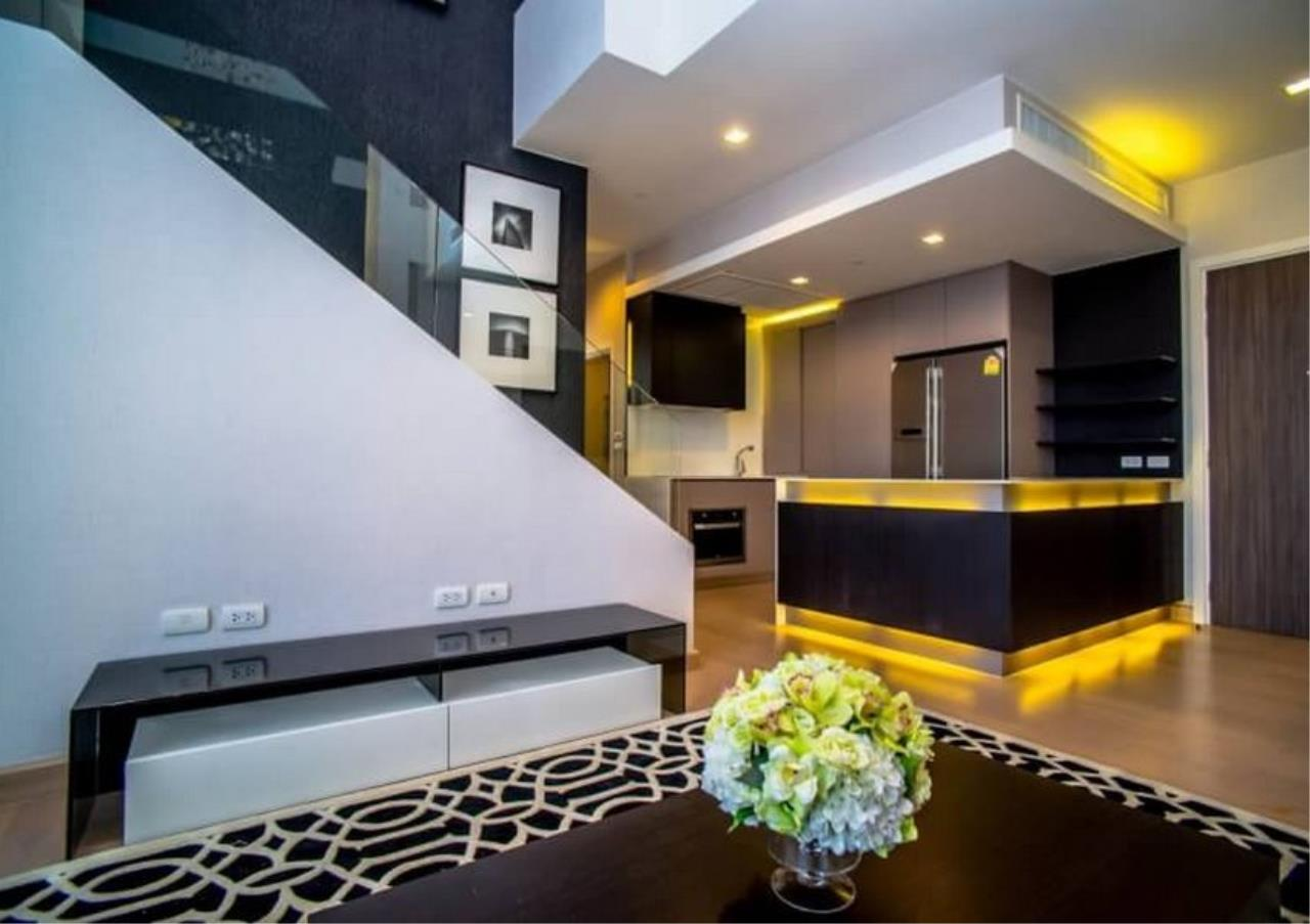 Bangkok Residential Agency's 3 Bed Duplex Condo For Rent Near Riverside BR6873CD 1