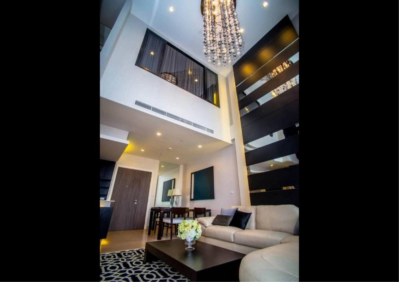 Bangkok Residential Agency's 3 Bed Duplex Condo For Rent Near Riverside BR6873CD 2