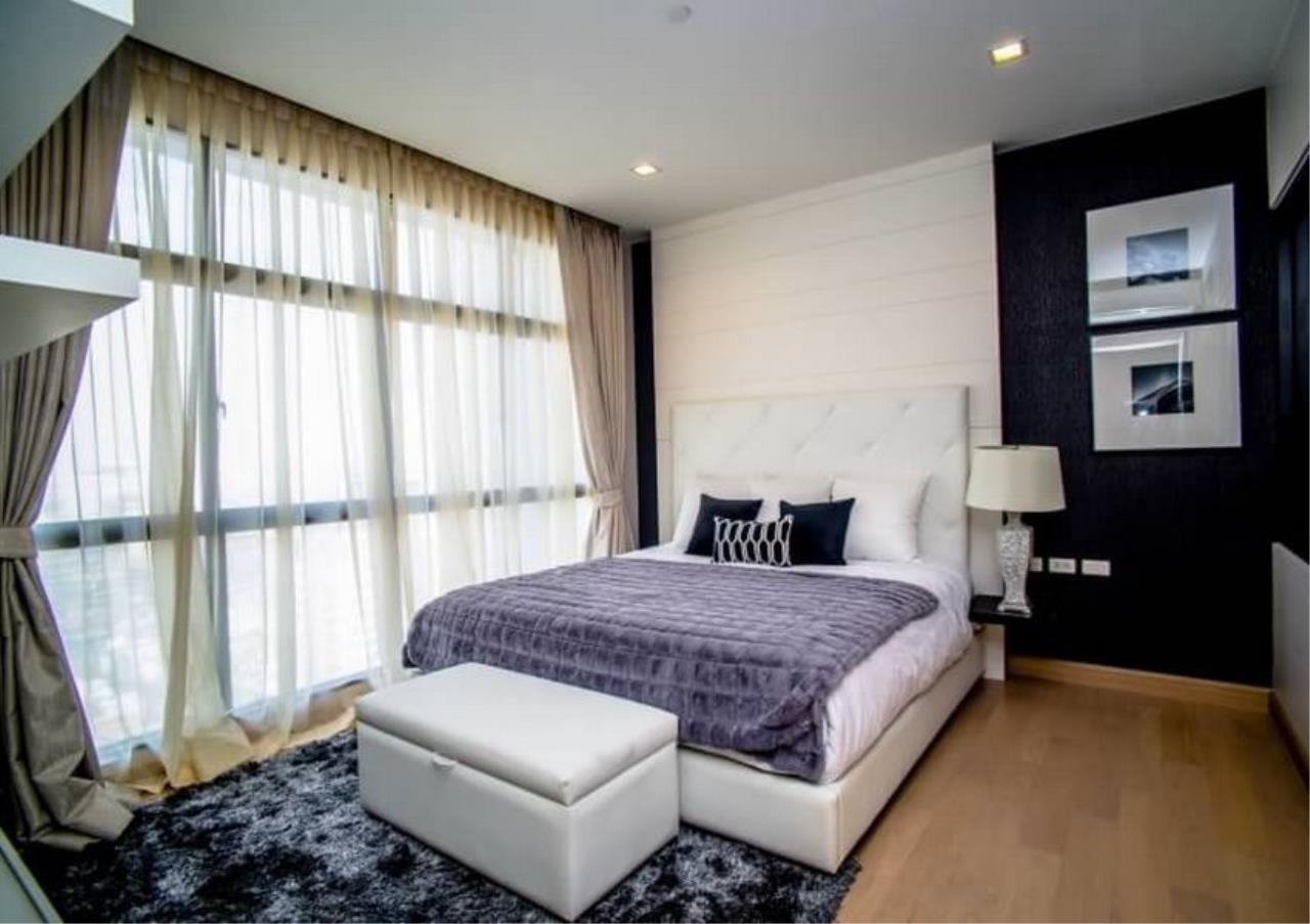 Bangkok Residential Agency's 3 Bed Duplex Condo For Rent Near Riverside BR6873CD 4