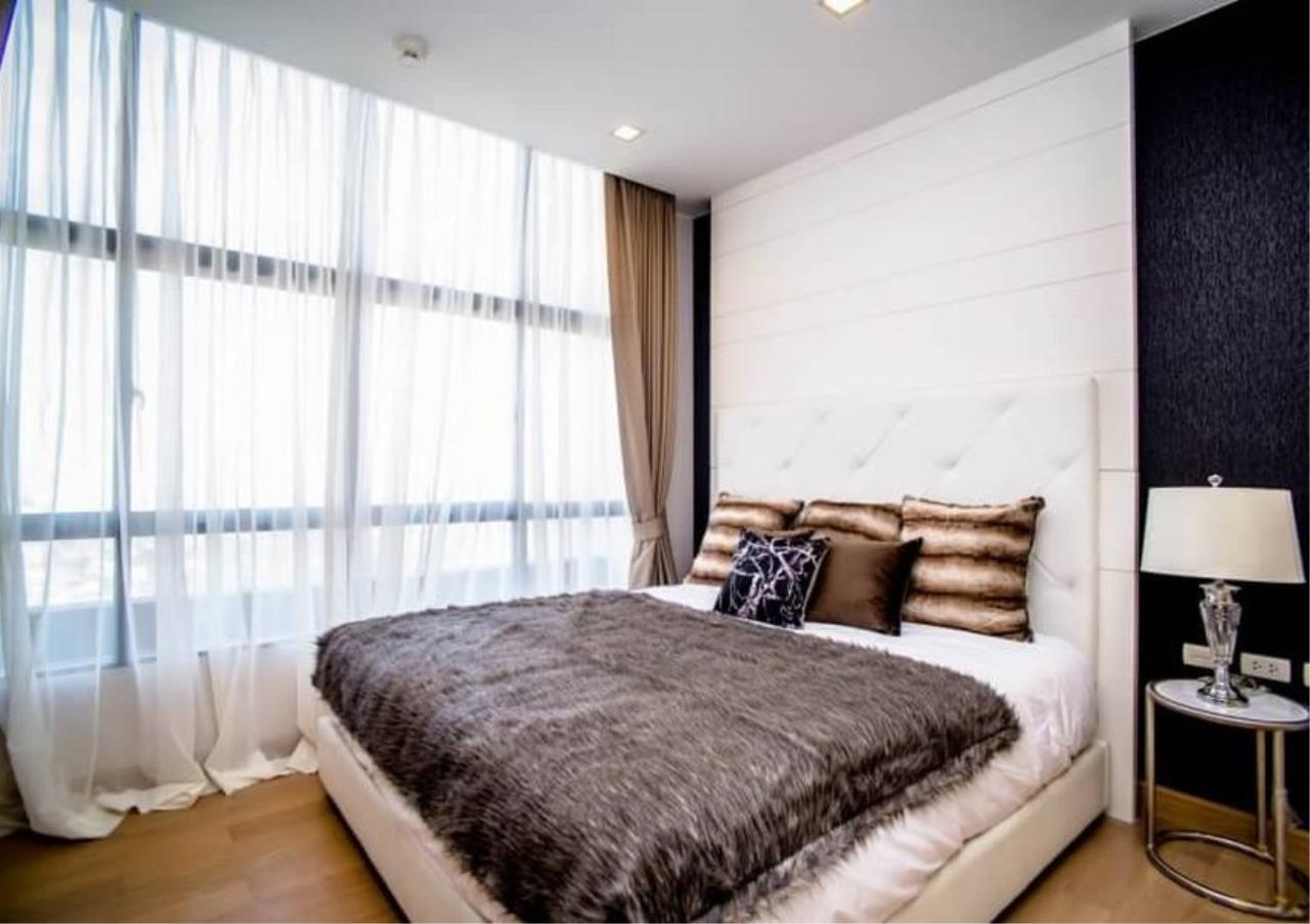 Bangkok Residential Agency's 3 Bed Duplex Condo For Rent Near Riverside BR6873CD 9