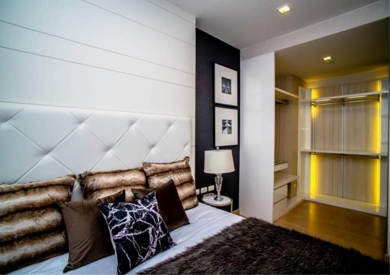 Bangkok Residential Agency's 3 Bed Duplex Condo For Rent Near Riverside BR6873CD 11