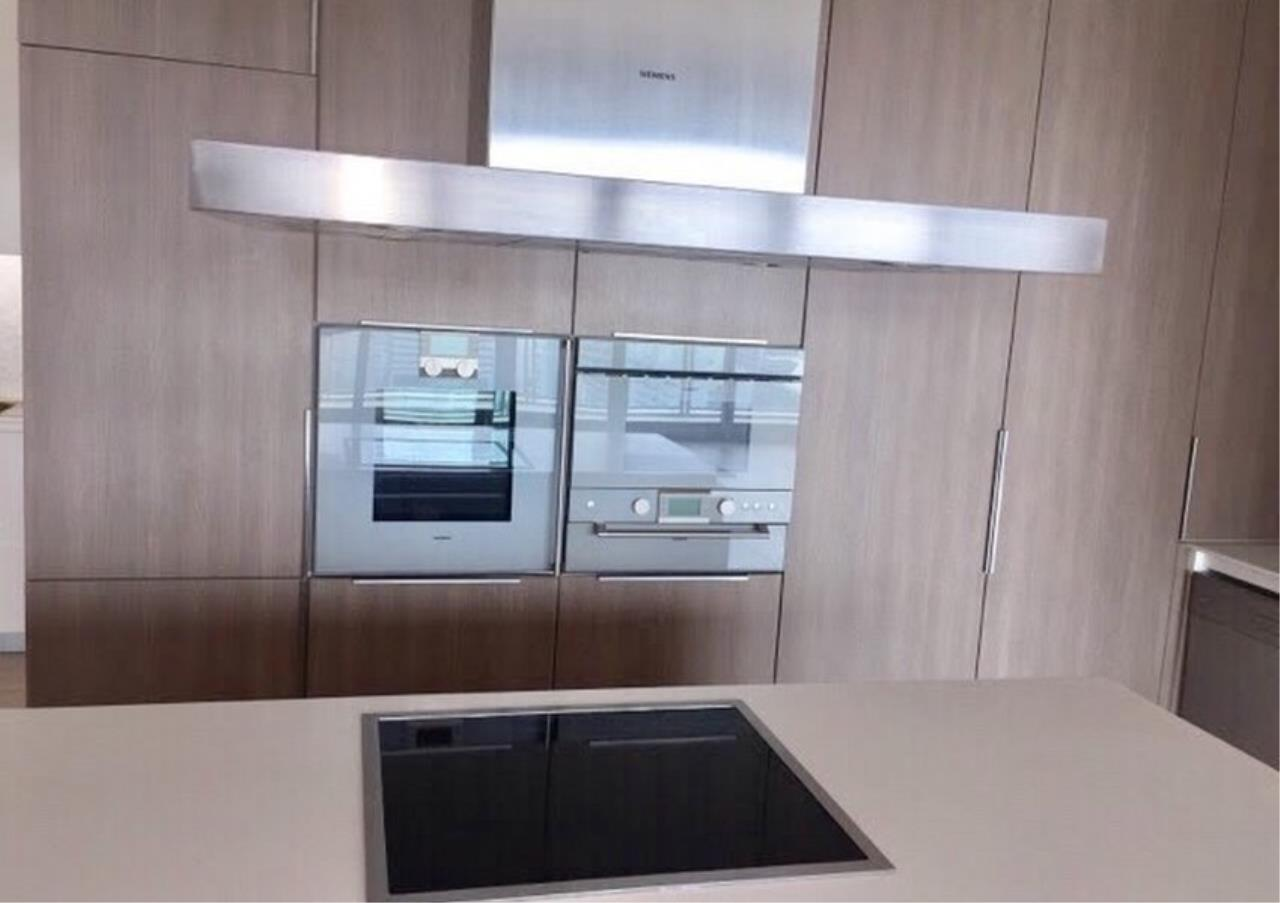 Bangkok Residential Agency's 3+1Bed Condo For Rent in Ratchadamri BR6917CD 2