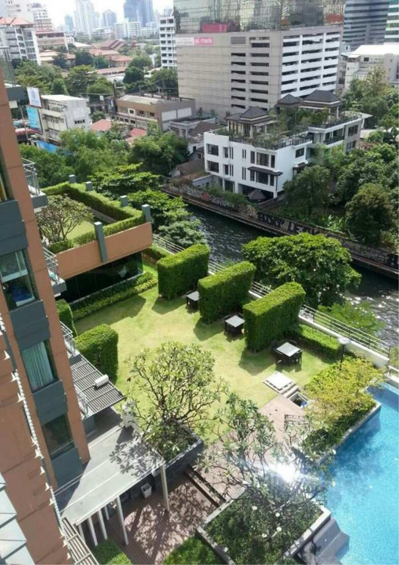 Bangkok Residential Agency's 1 Bed Duplex Condo For Rent in Phetchaburi BR6934CD 15