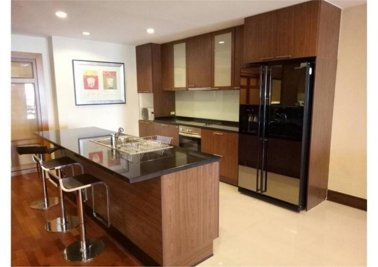 Bangkok Residential Agency's 2 Bed Condo For Rent in Sathorn BR6946CD 3