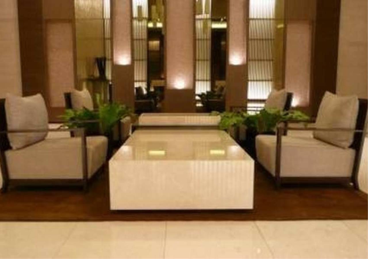 Bangkok Residential Agency's 2 Bed Condo For Rentin Phrom Phong BR6987CD 3
