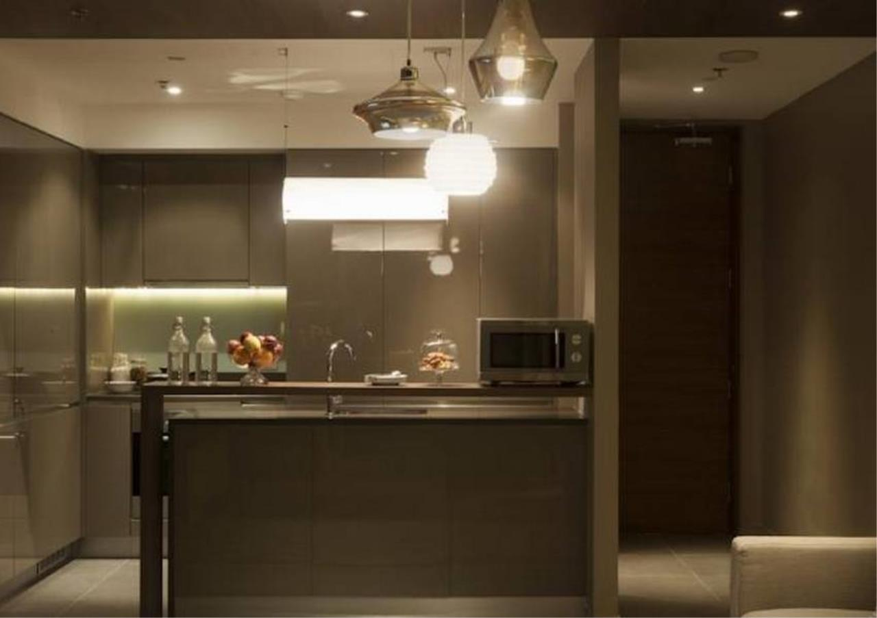 Bangkok Residential Agency's 3 Bed Serviced Apartment For Rent Near Riverside BR7003SA 4