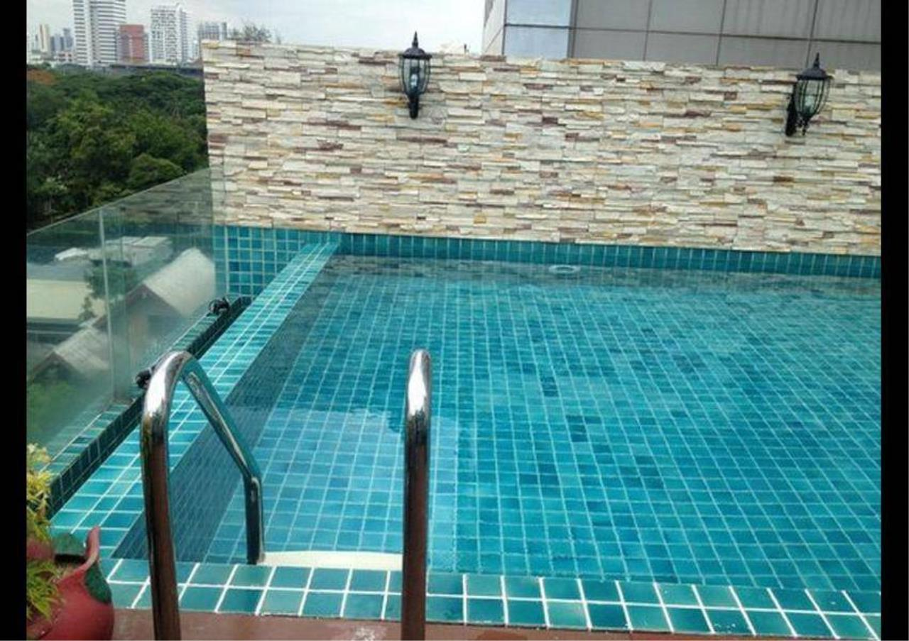 Bangkok Residential Agency's 2 Bed Serviced Apartment For Rent in Chidlom BR7016SA 6