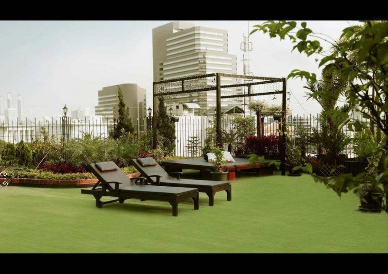 Bangkok Residential Agency's 2 Bed Serviced Apartment For Rent in Chidlom BR7016SA 2