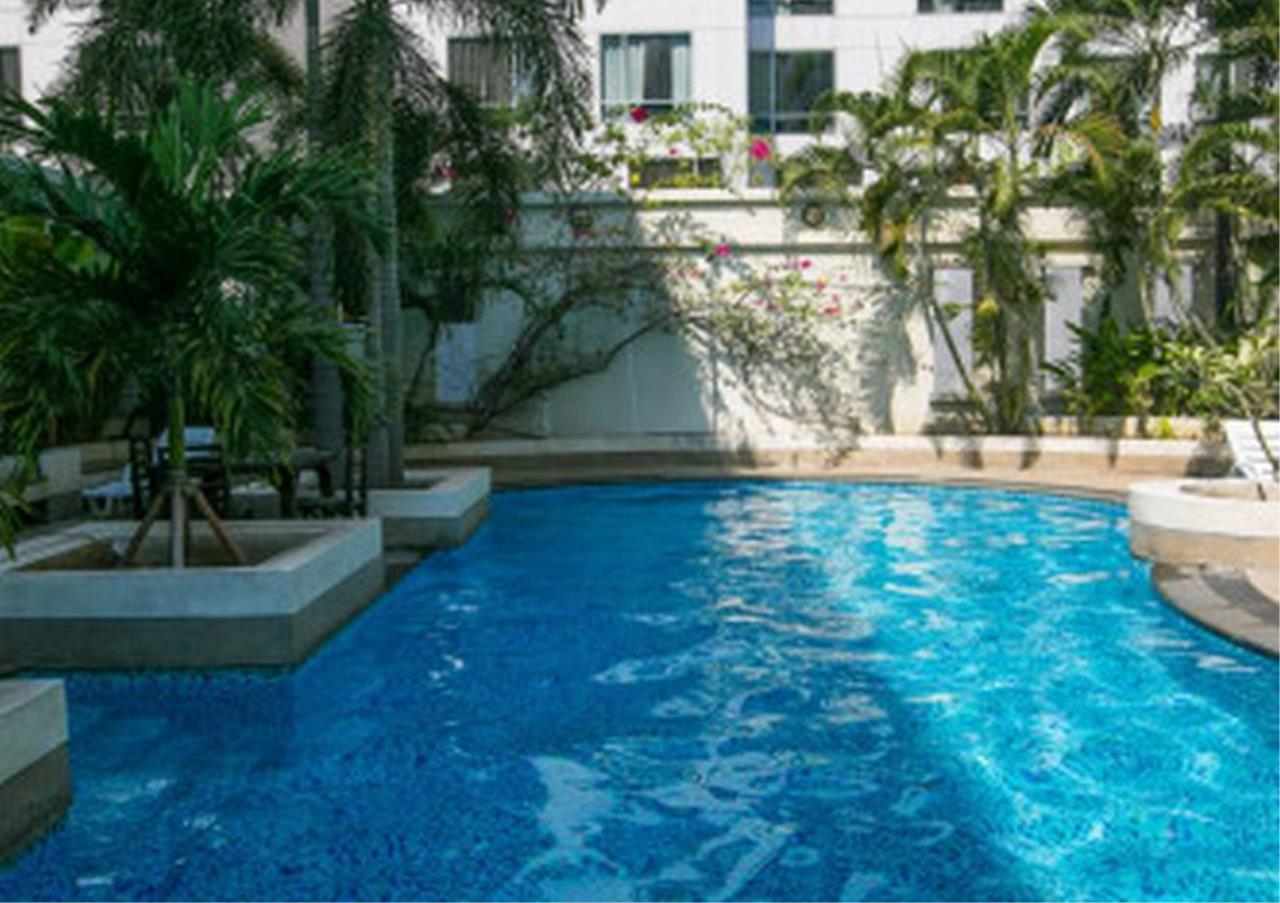 Bangkok Residential Agency's 3 Bed Serviced Apartment For Rent in Asoke BR7026SA 1