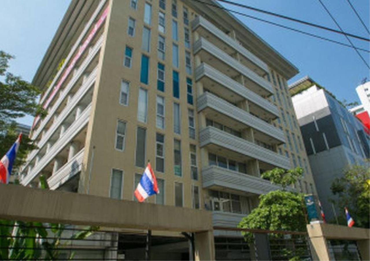 Bangkok Residential Agency's 3 Bed Serviced Apartment For Rent in Asoke BR7026SA 4