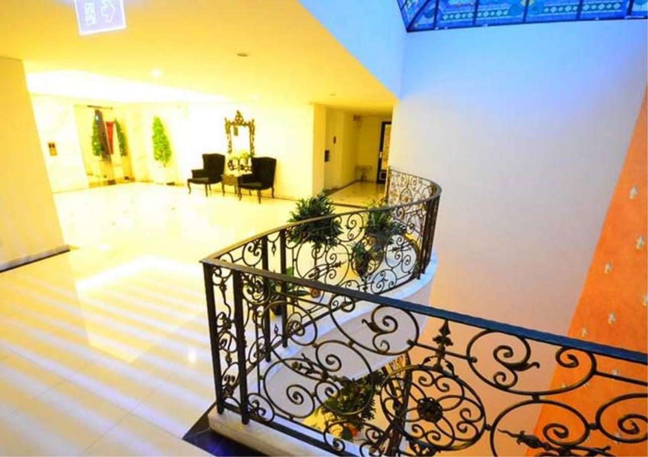 Bangkok Residential Agency's 4 Bed Serviced Apartment For Rent in Phrom Phong BR7058SA 5