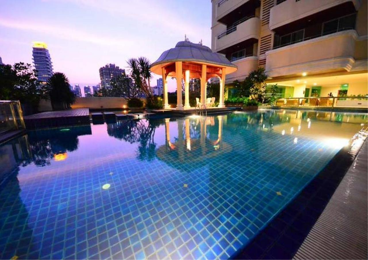 Bangkok Residential Agency's 4 Bed Serviced Apartment For Rent in Phrom Phong BR7075SA 11