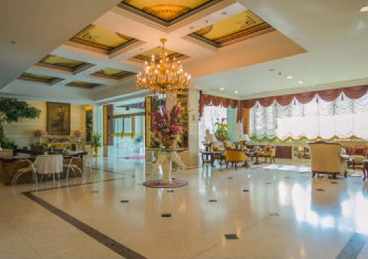 Bangkok Residential Agency's 4 Bed Serviced Apartment For Rent in Phrom Phong BR7075SA 15