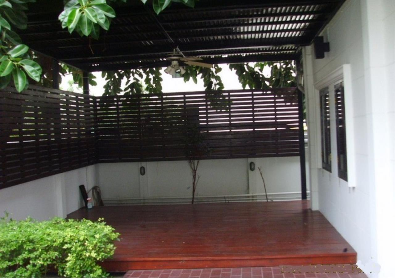 Bangkok Residential Agency's 3 Bed Single House In Compound For Rent in Phrom Phong BR7560SH 8