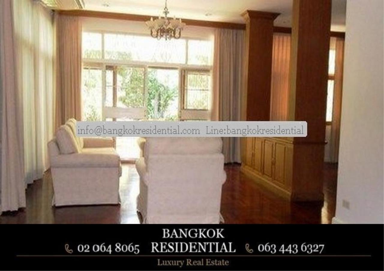 Bangkok Residential Agency's 3 Bed Single House For Rent in Ekkamai BR7666SH 1