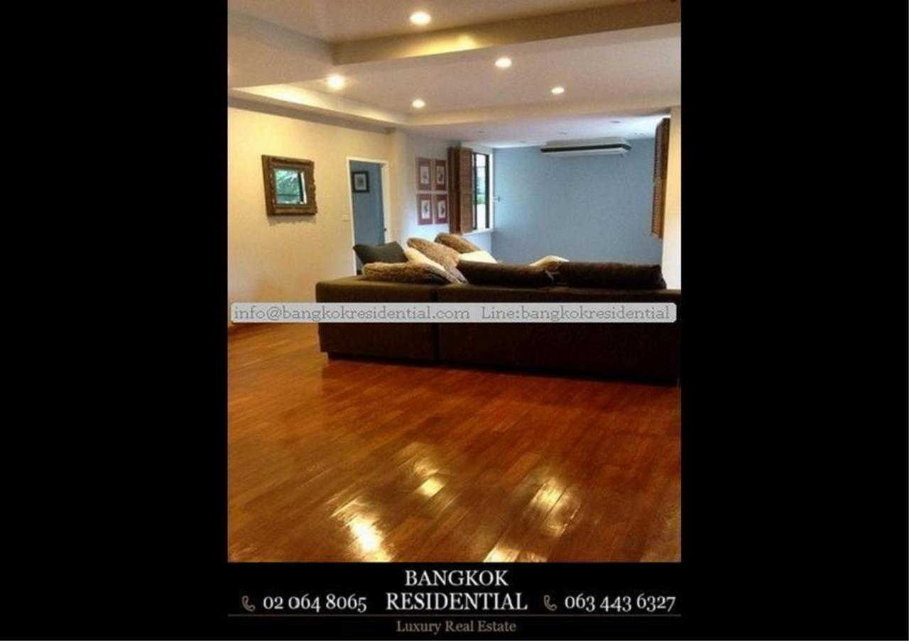 Bangkok Residential Agency's 4 Bed Single House in Compound For Rent in Thonglor BR7673SH 3