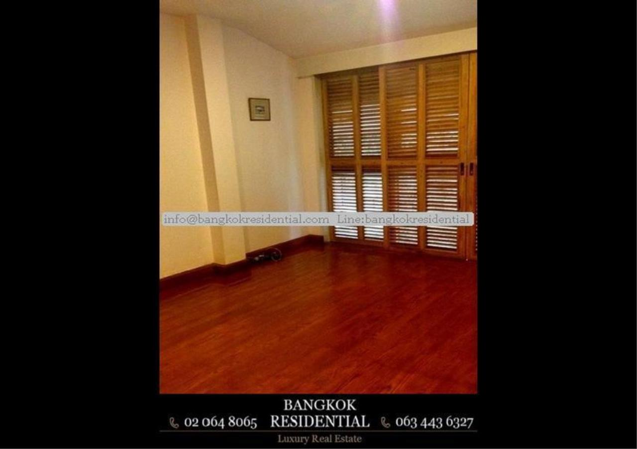 Bangkok Residential Agency's 4 Bed Single House in Compound For Rent in Thonglor BR7673SH 9