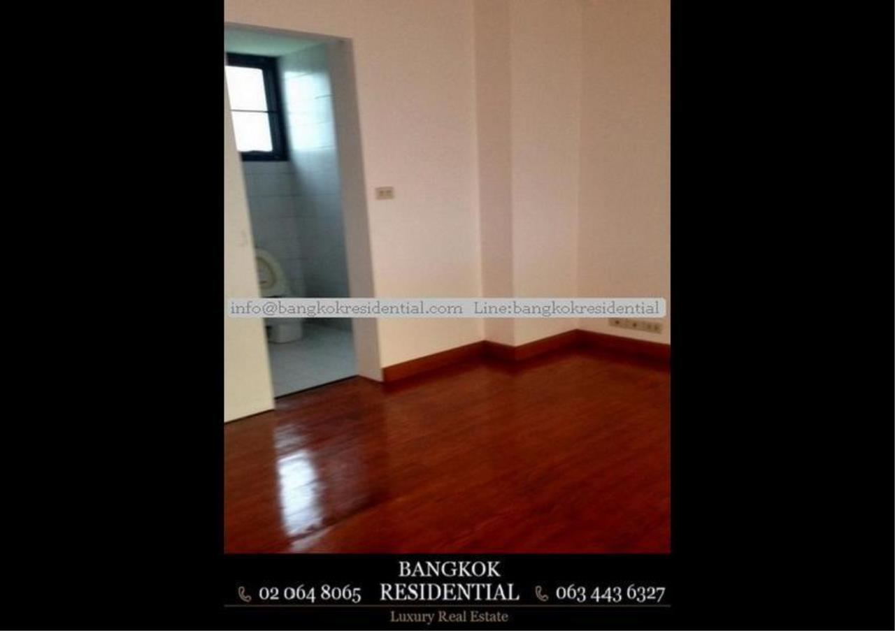 Bangkok Residential Agency's 4 Bed Single House in Compound For Rent in Thonglor BR7673SH 12