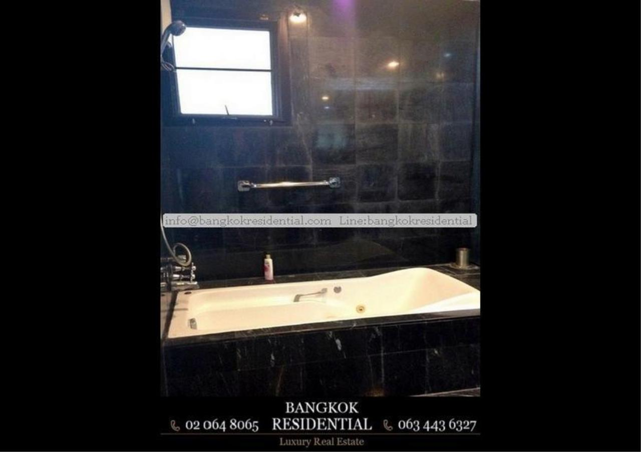 Bangkok Residential Agency's 4 Bed Single House in Compound For Rent in Thonglor BR7673SH 13