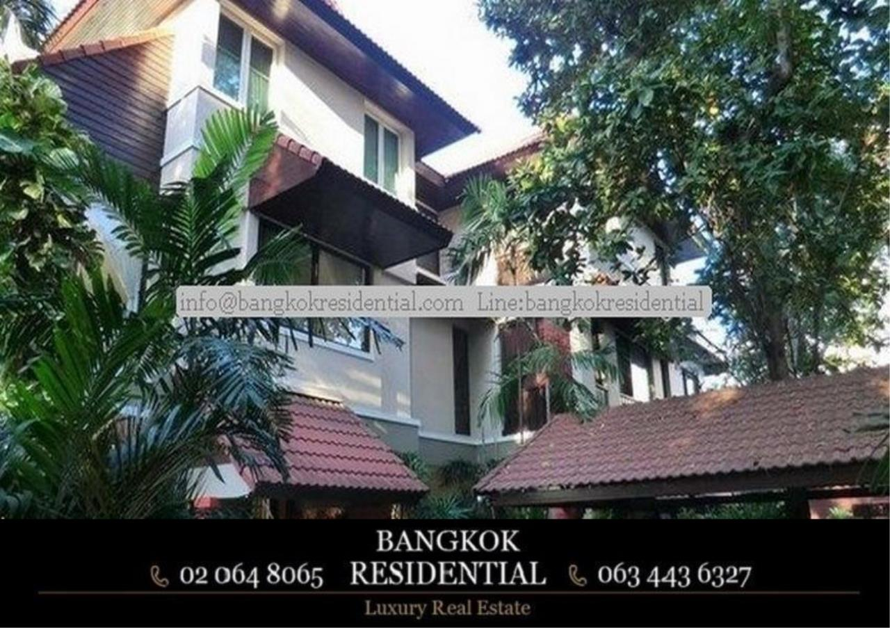 Bangkok Residential Agency's 4 Bed Single House in Compound For Rent in Phra Khanong BR7677SH 1