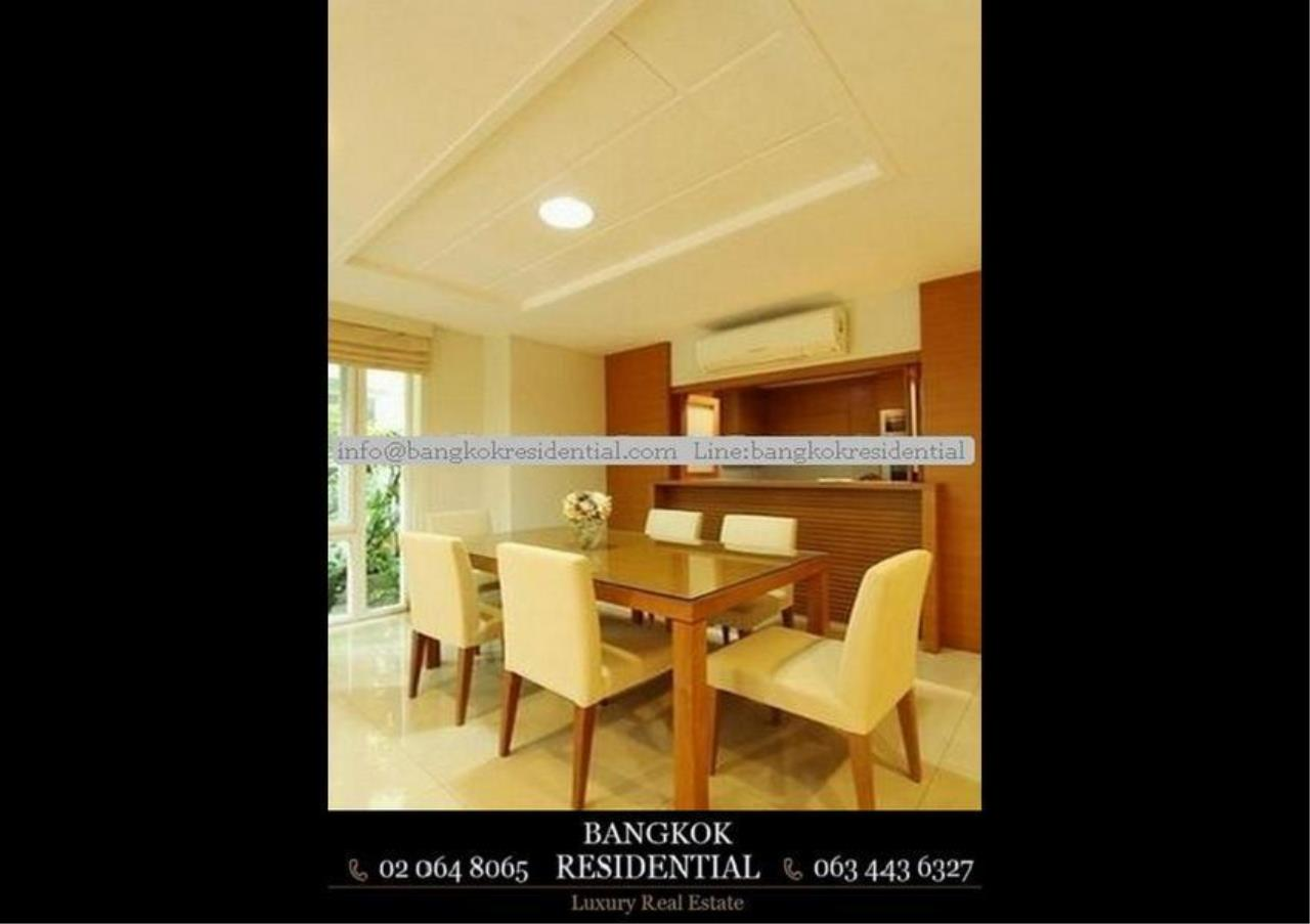 Bangkok Residential Agency's 4 Bed Single House in Compound For Rent in Ekkamai BR7717SH 4