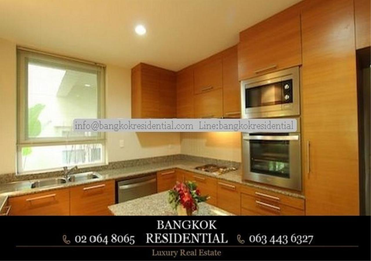 Bangkok Residential Agency's 4 Bed Single House in Compound For Rent in Ekkamai BR7717SH 6