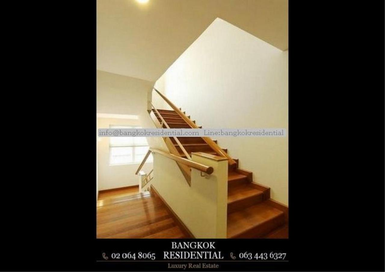 Bangkok Residential Agency's 4 Bed Single House in Compound For Rent in Ekkamai BR7717SH 14