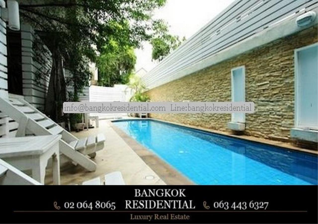 Bangkok Residential Agency's 4 Bed Single House in Compound For Rent in Ekkamai BR7717SH 20