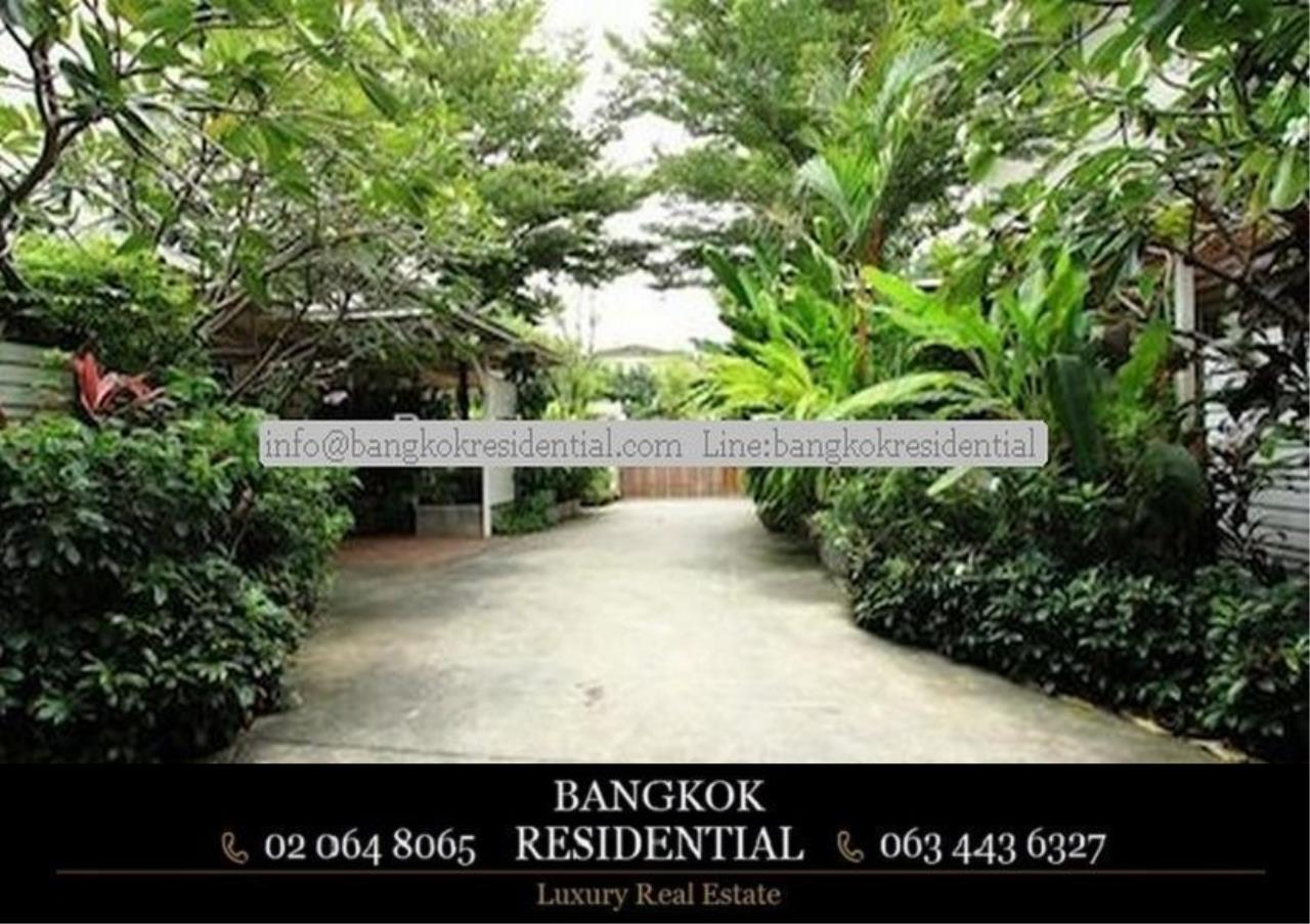 Bangkok Residential Agency's 4 Bed Single House in Compound For Rent in Ekkamai BR7717SH 21