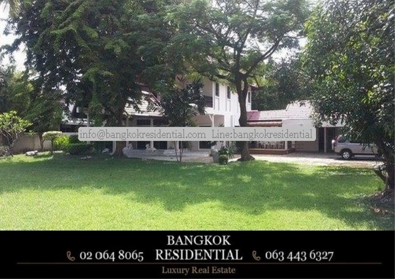 Bangkok Residential Agency's 5 Bed Single House in Compound For Rent in On Nut BR7718SH 5