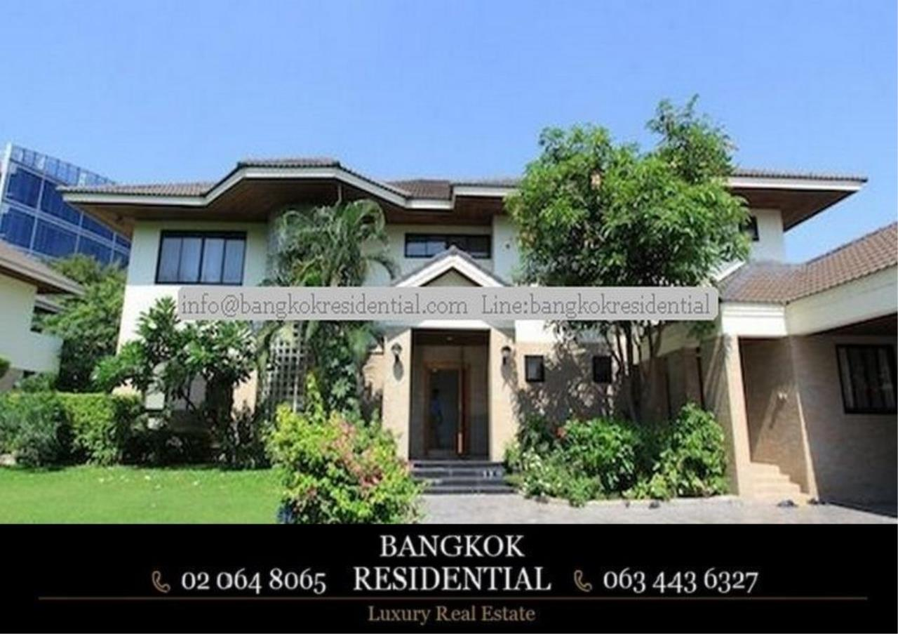 Bangkok Residential Agency's 4 Bed Single House in Compound For Rent in Phra Khanong BR7733SH 2