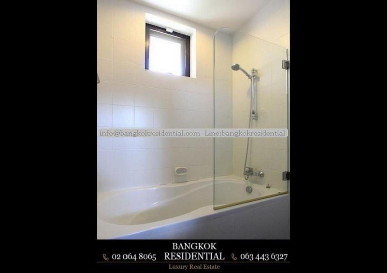 Bangkok Residential Agency's 4 Bed Single House in Compound For Rent in Phra Khanong BR7733SH 13