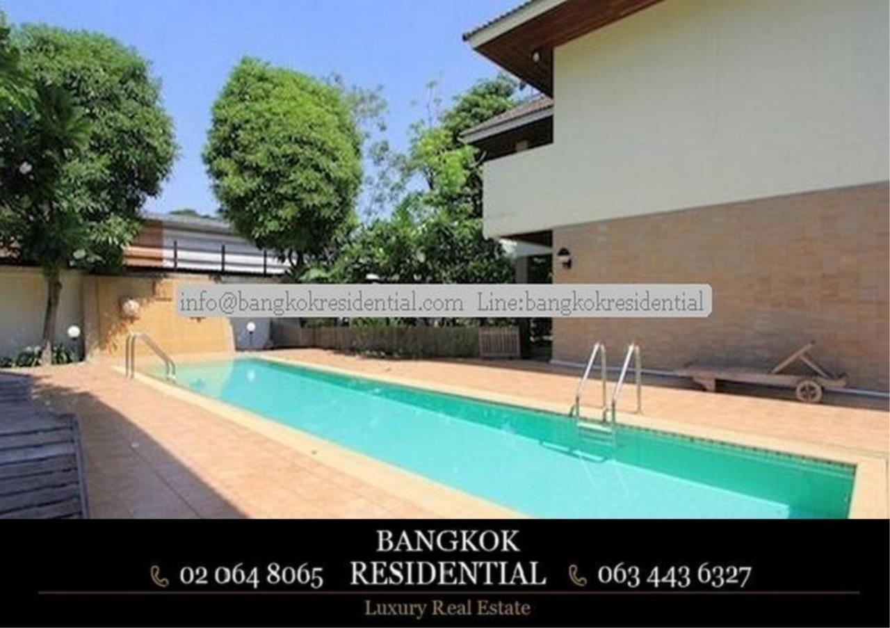 Bangkok Residential Agency's 4 Bed Single House in Compound For Rent in Phra Khanong BR7733SH 16