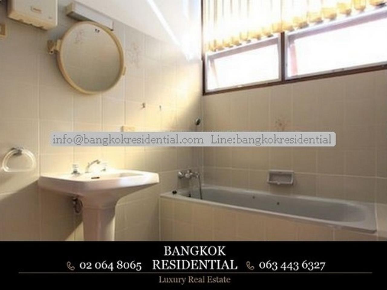 Bangkok Residential Agency's 3 Bed Single House For Rent in Nana BR7742SH 6