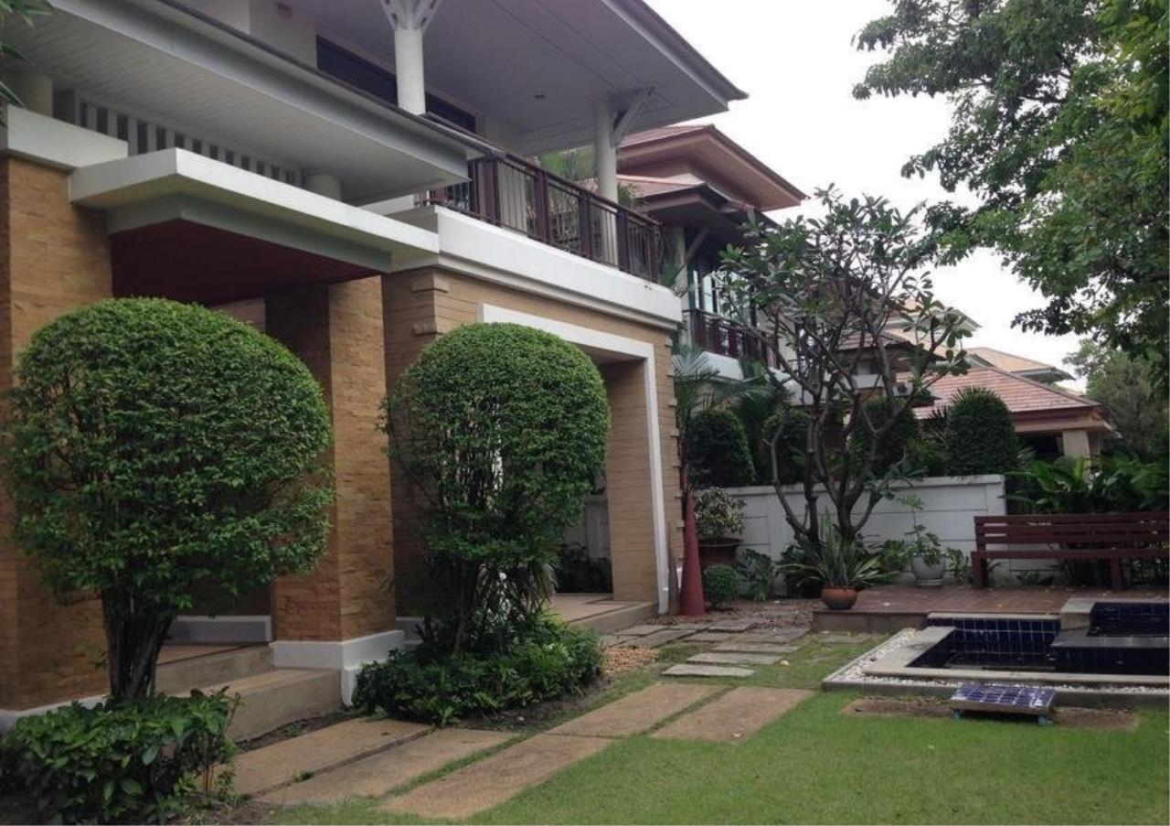 Bangkok Residential Agency's 4 Bed Single House in Compound For Rent in On Nut BR7747SH 9