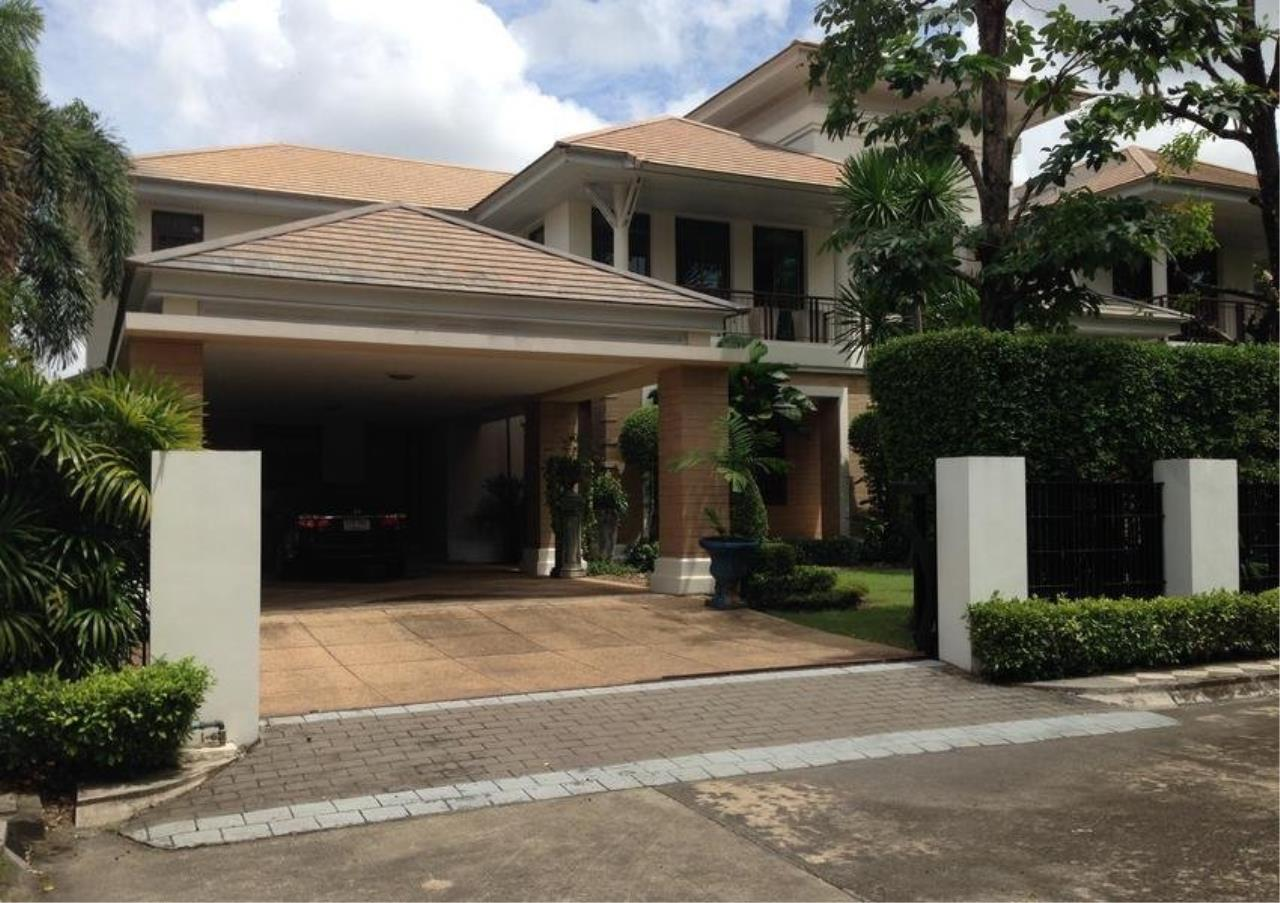 Bangkok Residential Agency's 4 Bed Single House in Compound For Rent in On Nut BR7747SH 10