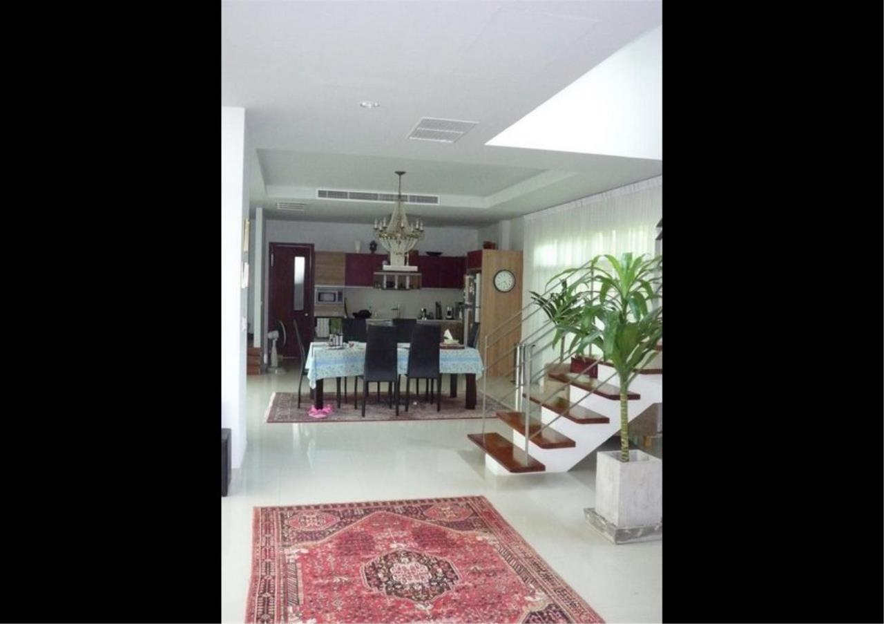 Bangkok Residential Agency's 4 Bed Single House in Compound For Rent in On Nut BR7756SH 3