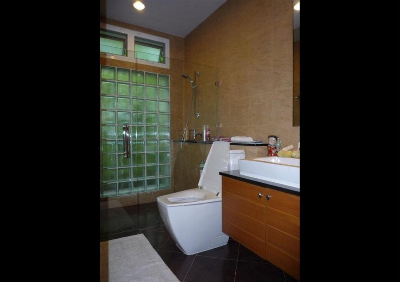 Bangkok Residential Agency's 4 Bed Single House in Compound For Rent in On Nut BR7756SH 22
