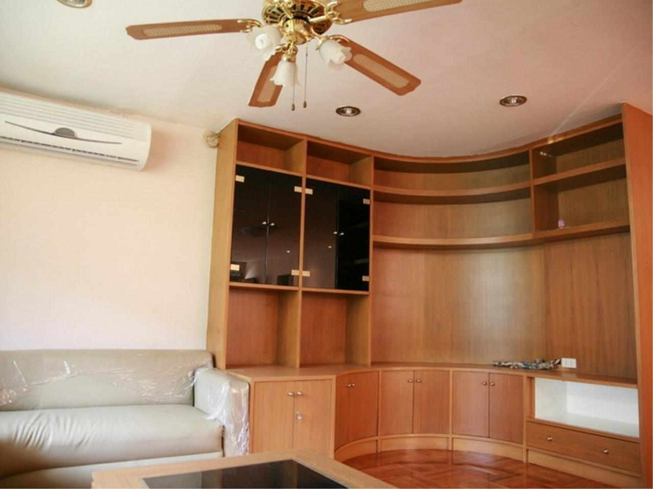 Bangkok Residential Agency's 6 Bed Single House For Rent in Phrom Phong BR7788SH 3