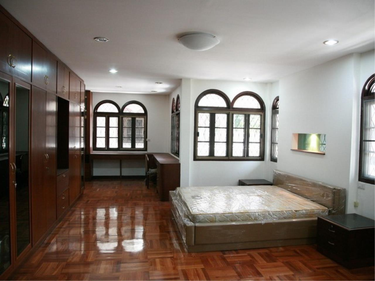 Bangkok Residential Agency's 6 Bed Single House For Rent in Phrom Phong BR7788SH 12