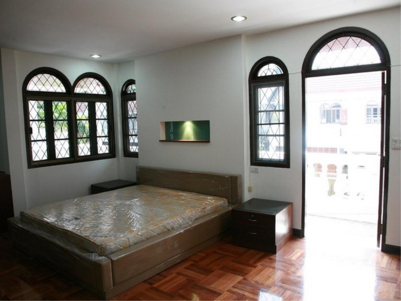 Bangkok Residential Agency's 6 Bed Single House For Rent in Phrom Phong BR7788SH 16