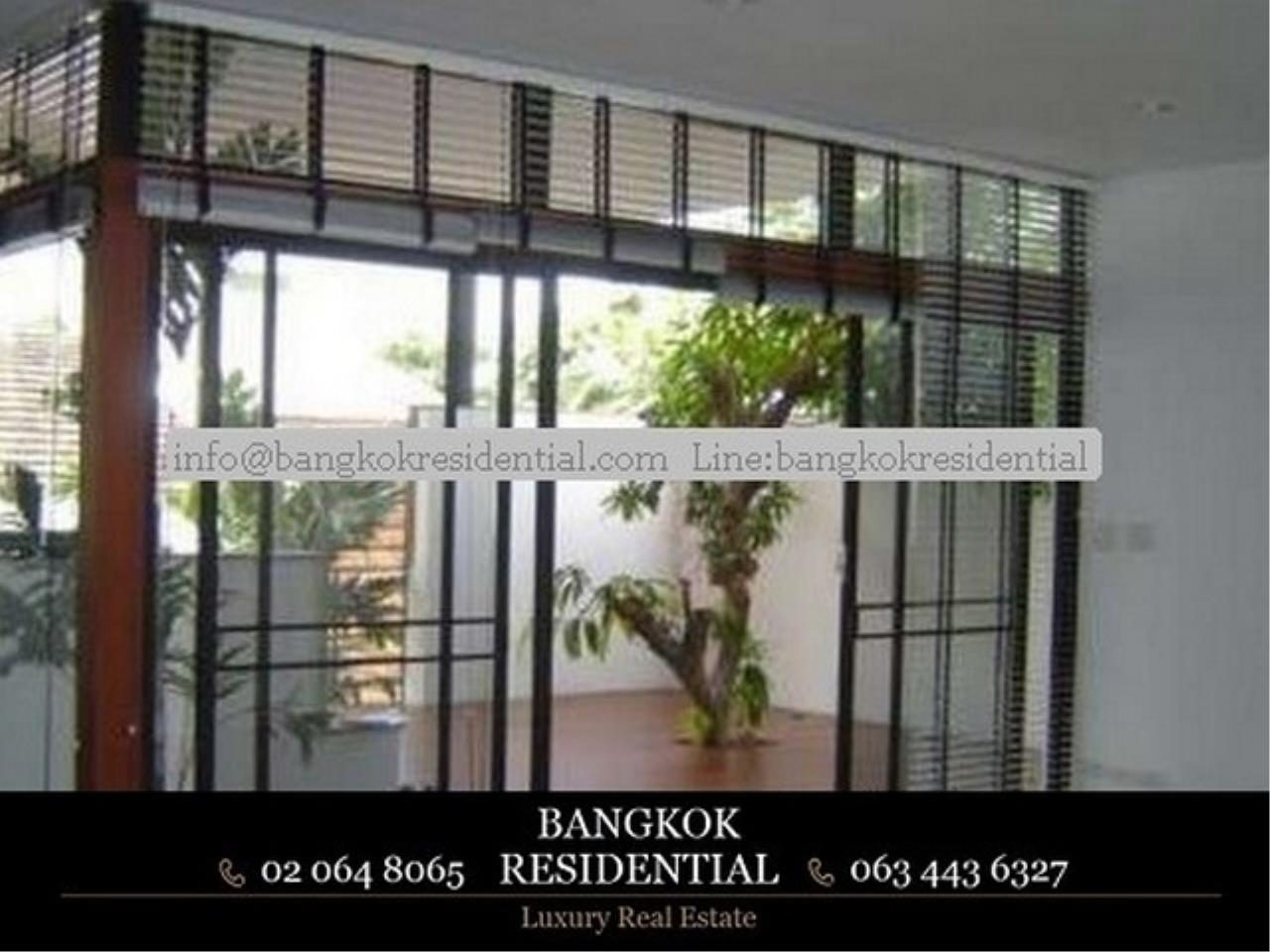 Bangkok Residential Agency's 3 Bed Single House in Compound For Rent in Thonglor BR7799SH 1
