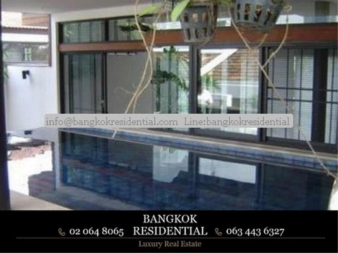 Bangkok Residential Agency's 3 Bed Single House in Compound For Rent in Thonglor BR7799SH 2