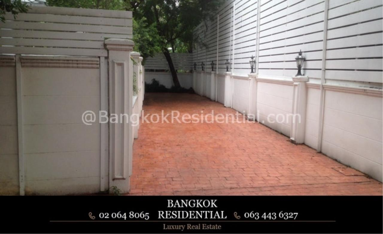 Bangkok Residential Agency's 4 Bed Single House For Rent in Phrom Phong BR7853SH 4