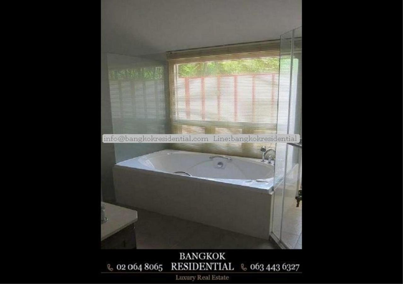Bangkok Residential Agency's 4 Bed Single House in Compound For Rent in Phetchaburi BR7935SH 6
