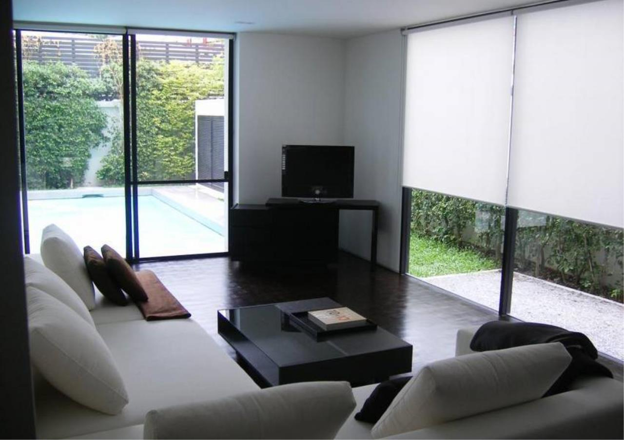 Bangkok Residential Agency's 4 Bed Detached House For Rent in Thonglor BR7998SH 2
