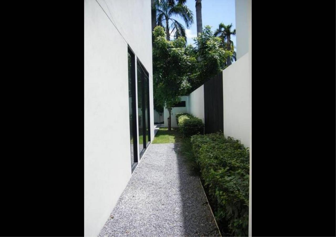 Bangkok Residential Agency's 4 Bed Detached House For Rent in Thonglor BR7998SH 16