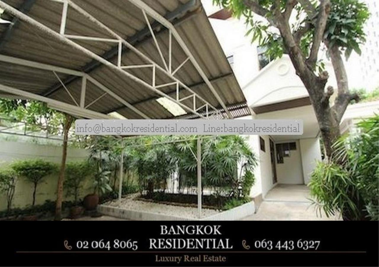 Bangkok Residential Agency's 5 Bed Single House For Rent in Nana BR8093SH 1
